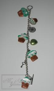 Pulsera sweets verde de resina 2