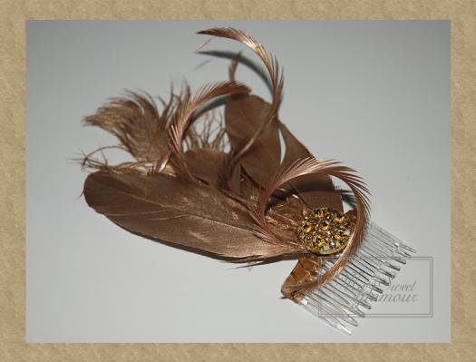 Tocado plumas dorado 4